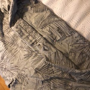 Printed grey Athleta leggings.
